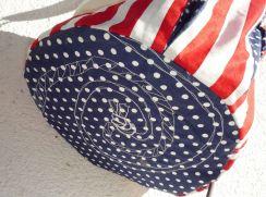 Brennender Schuh - runder Taschenboden mit Freihand-Stickerei