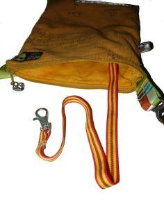 Brennender Schuh - Mini-Reißverschluss-Handtasche mit Geldbeutelsicherungsband