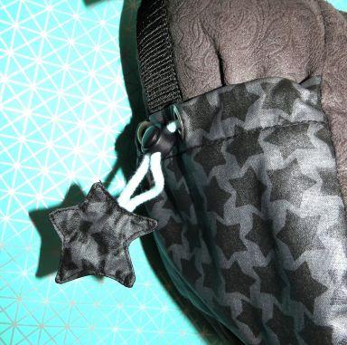 Sternanhänger, beschichtete Baumwolle grau mit Sternen, Seitenfach Wickeltasche - Handtasche