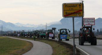 """Bürger und Bauern ziehen für den Schutz von Natur und Heimat gemeinsam """"an einem Strang"""". Quelle: Brennerdialog"""