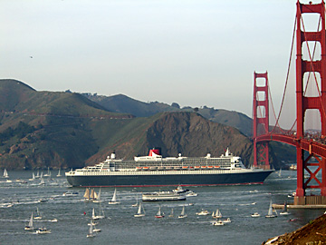 Queen_mary_2_360_1