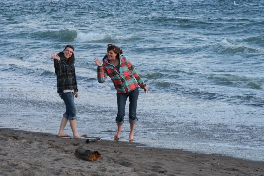 Melissa and Ashley get their feet wet