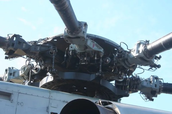 Rotor hub for a Sikorsky CH-53 helicopter