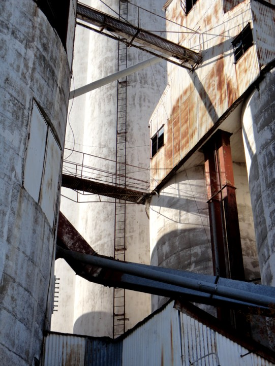 Silo Intersections