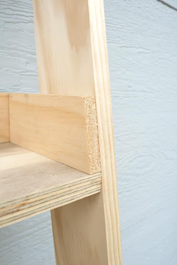 DIY Leaning Shelf