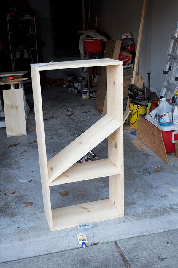 building a diy Bookcase