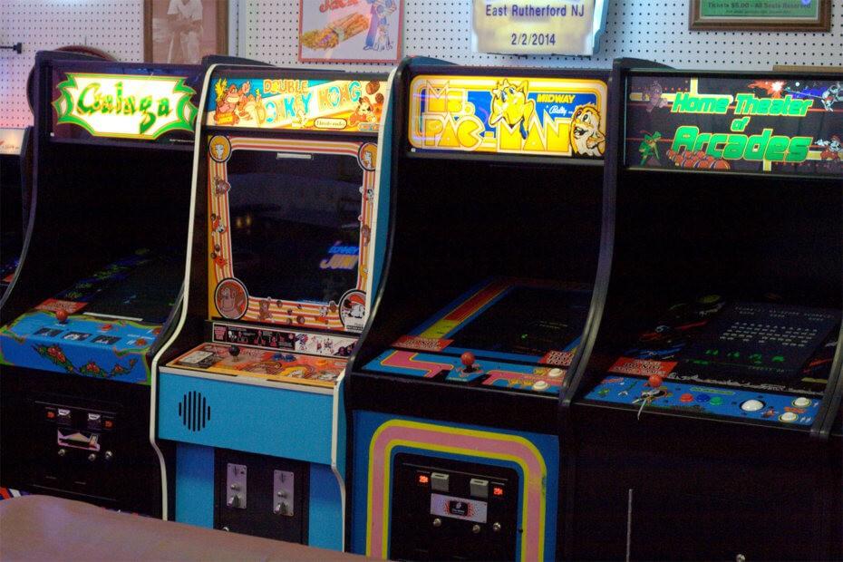 Vecchi videogiochi da bar