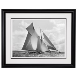 Framed Limited edition, Silver Gelatin, Black and White Photograph of sailing boat Suzanne sailing at sea. Taken by a famous marine photographer Frank Beken in 1910. Available to purchase in various sizes from the Brett Gallery. This picture was developed in the darkroom and scanned from original glass plat negative from period.Beken of Cowes Framed Prints, Beken of Cowes archives, Beken of Cowes Prints, Beken Archive, Cowes Week old Photographs, Beken Prints, Frank beken of Cowes.