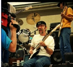 "Jeff ""Skunk"" Baxter playin' for the cameras. (Doobie Brothers, Steely Dan)"