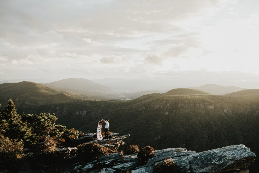 Brett & Jessica Photography | blue ridge mountains engagement photos