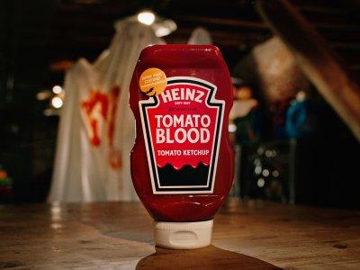 "Heinz Halloween ""Tomato Blood"" Costume Kit"