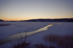 Die Mündung des Viskan, hier ist der See noch nicht ganz zugefroren.