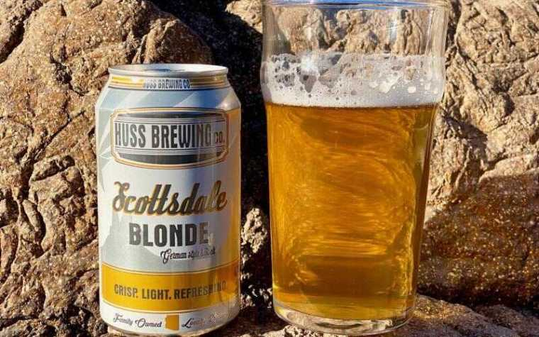 A can and a glass of Scottsdale Blonde beer from Arizona.