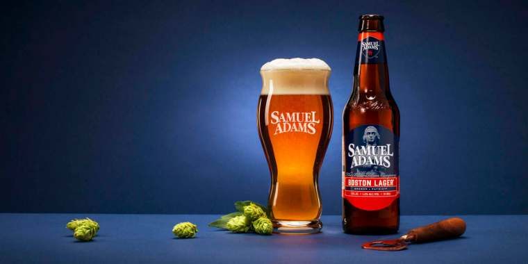 A bottle and a glass of Samuel Adams beer