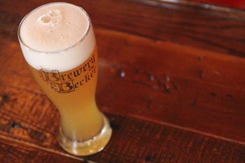 Vardricka craft beer draft just poured