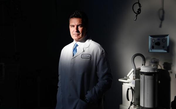lat-doctor-la0012217474-20131104