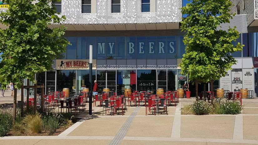 La grande terrasse du My Beers bar à Montpellier