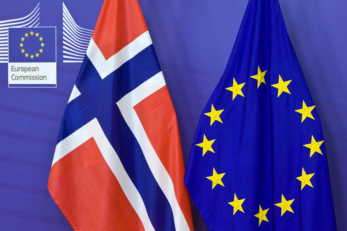 Keep outside the EEA: debunking the mythology about the 'Norway option'