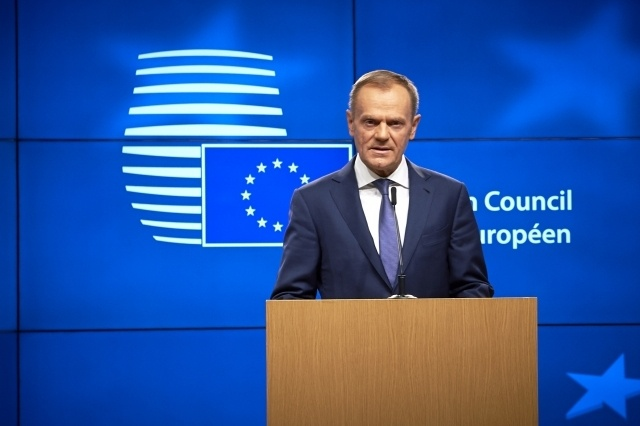 Donald Tusk unveils EU draft negotiating guidelines: Brexit News for Thursday 8 March