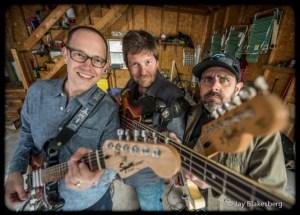 Chuck, Rob Derhak, Al Schnier  ©Jay Blakesberg