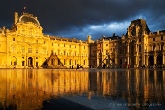 Sunlight and reflections at Musse du Louvre, Paris France