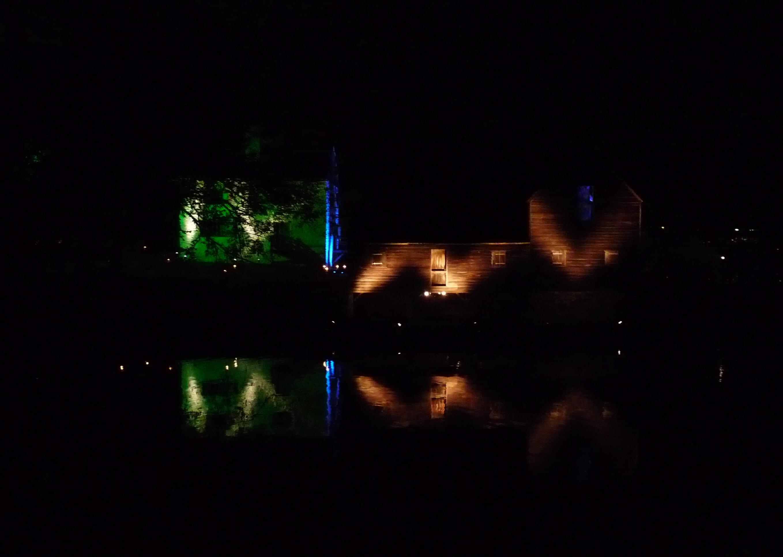 Phillipsburg Manor by night.
