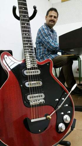 Adrian May Red Special Guitar 001