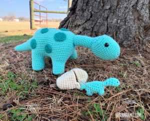 amigurumi crochet dinosaur