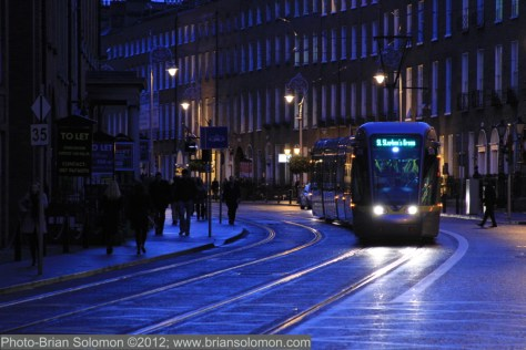 LUAS on Harcourt St IMG_0887©Brian Solomon