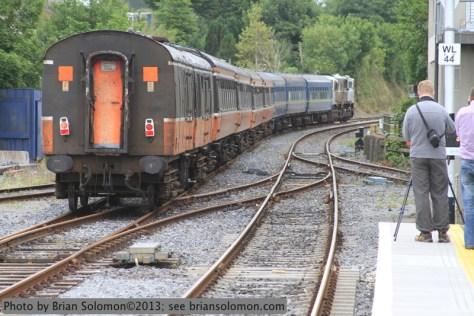 Irish Rail 081 shunts the RPSI Cravens at Kilkenny