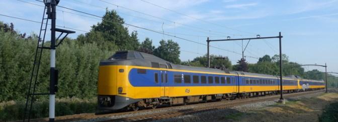 Netherlandse Spoorwagen Koploper near Dordrecht Zuid, September 2013