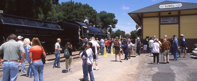 DAILY POST: Celebrity Steam at the Niles Canyon Railway
