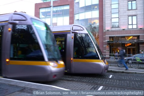 LUAS_St_Stephens_Green_P1610098_2