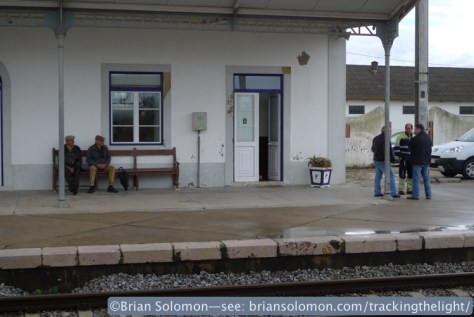 Locals gather on the platform at Riachos T. Novas station. April 2. 2014. Exposed with a Lumix LX3.