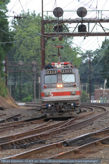 Only a handful of SEPTA's suburban trains run with electric locomotives; most are EMUs. Canon EOS 7D photo.