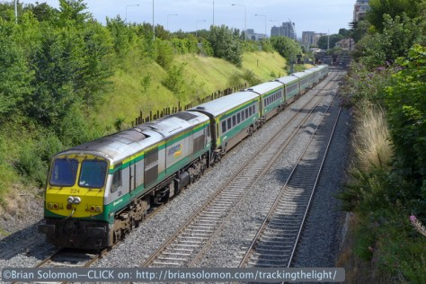 Irish Rail class 201 diesel numbe 224 worked the back of the Mark4. Locomotives typically face Cork on the Mark4. Lumix LX7 photo.