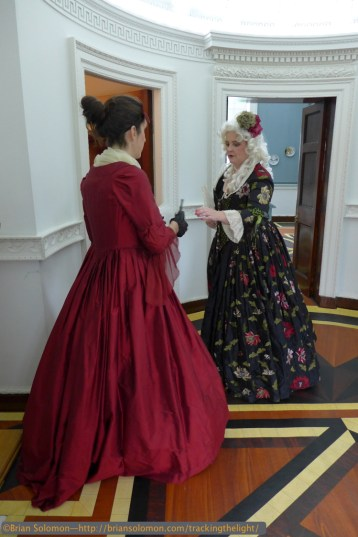 Casino_women_in_period_dress_P1070628