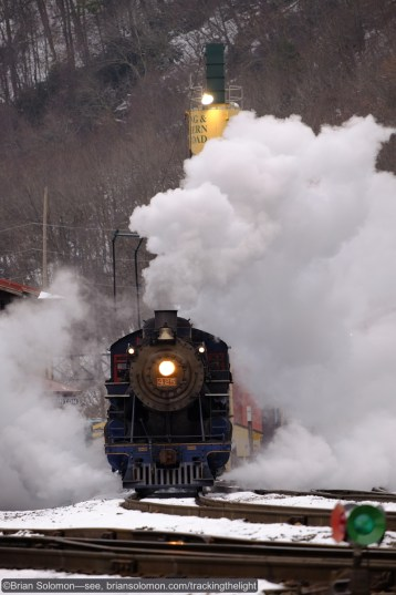 Reading & Northern 425 made a stunning display of steam at Port Clinton on December 13, 2014. Exposed with a Fuji X-T1 with 55-200mm lens.