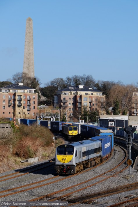 Irish Rail's IWT Liner passes Platform 10 near Heuston Station. Fuji X-T1 photo.