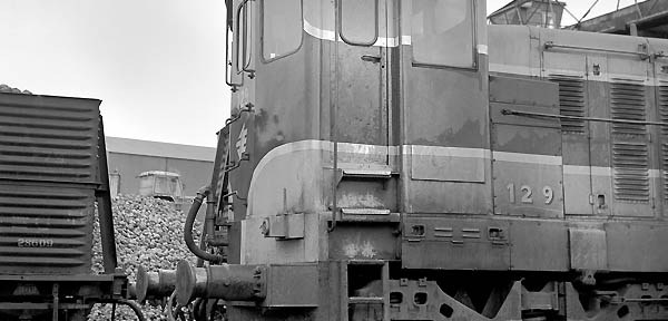 Heeding a prophecy of doom: Irish Rail 129 at Wellingtonbridge, Co. Wexford.