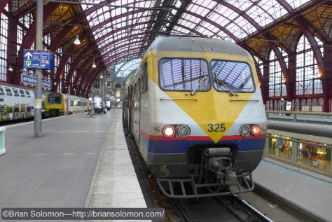 Antwerp Central Station—Lumix LX7 photo.