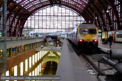 Antwerpen_Centraal_station_325_DSCF4687