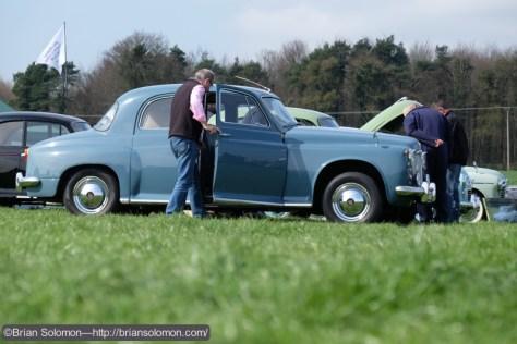 Blue_car_low_Angle_DSCF6479