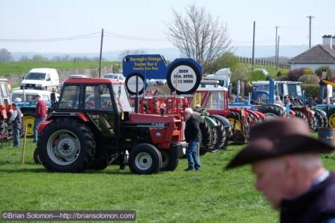 Tractor_line_up_DSCF6497