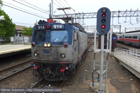 Old Amtrak AEM-7 914 heads for New Haven motor storage. A few weeks ago sister locomotive, Amtrak 915 was sent to Strasburg, Pennsylvania for preservation. How much longer will the old AEM-7s work? Lumix LX7 photo.