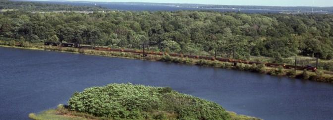 Tracking the Light's Classic Chrome Archive: doubleheaded Amtrak GG1s at Pelham Bay Park.