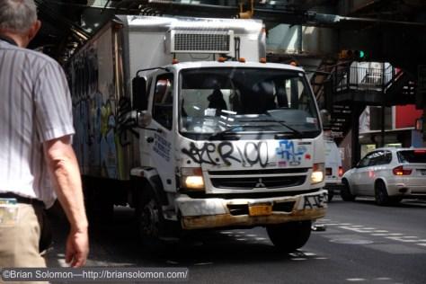 Grafitti_truck_Under_the_el_at_Marcy_Ave_DSCF1403
