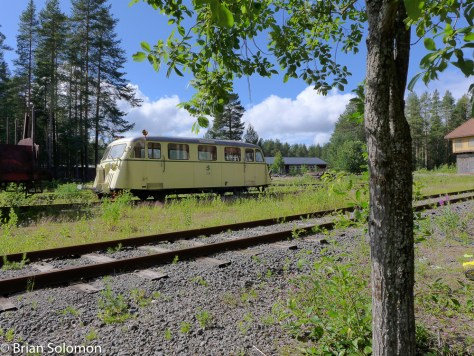 Lulea_Museum_SJ_railbus_outside_P1290441MOD1