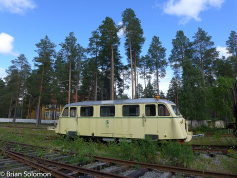 Lulea_Museum_SJ_railbus_outside_P1290447MOD1