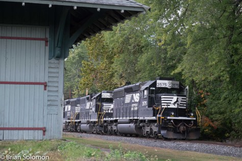 Norfolk Southern SD40-2 3575 is framed by the old DL&W station at Portland.